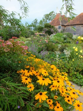 great dixter borders